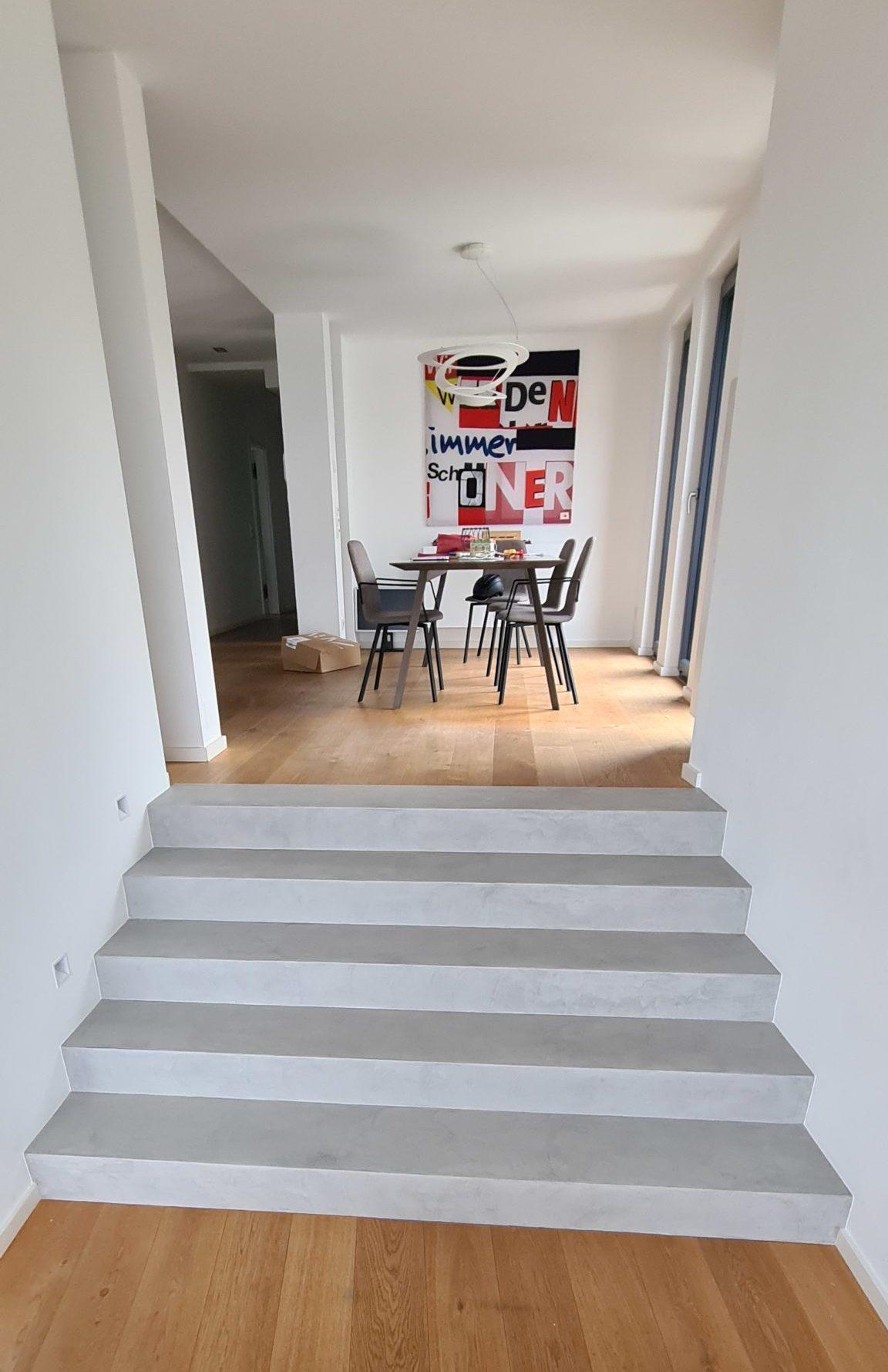 Treppe fugenlos gespachtelt in betonoptik bzw. betonlook