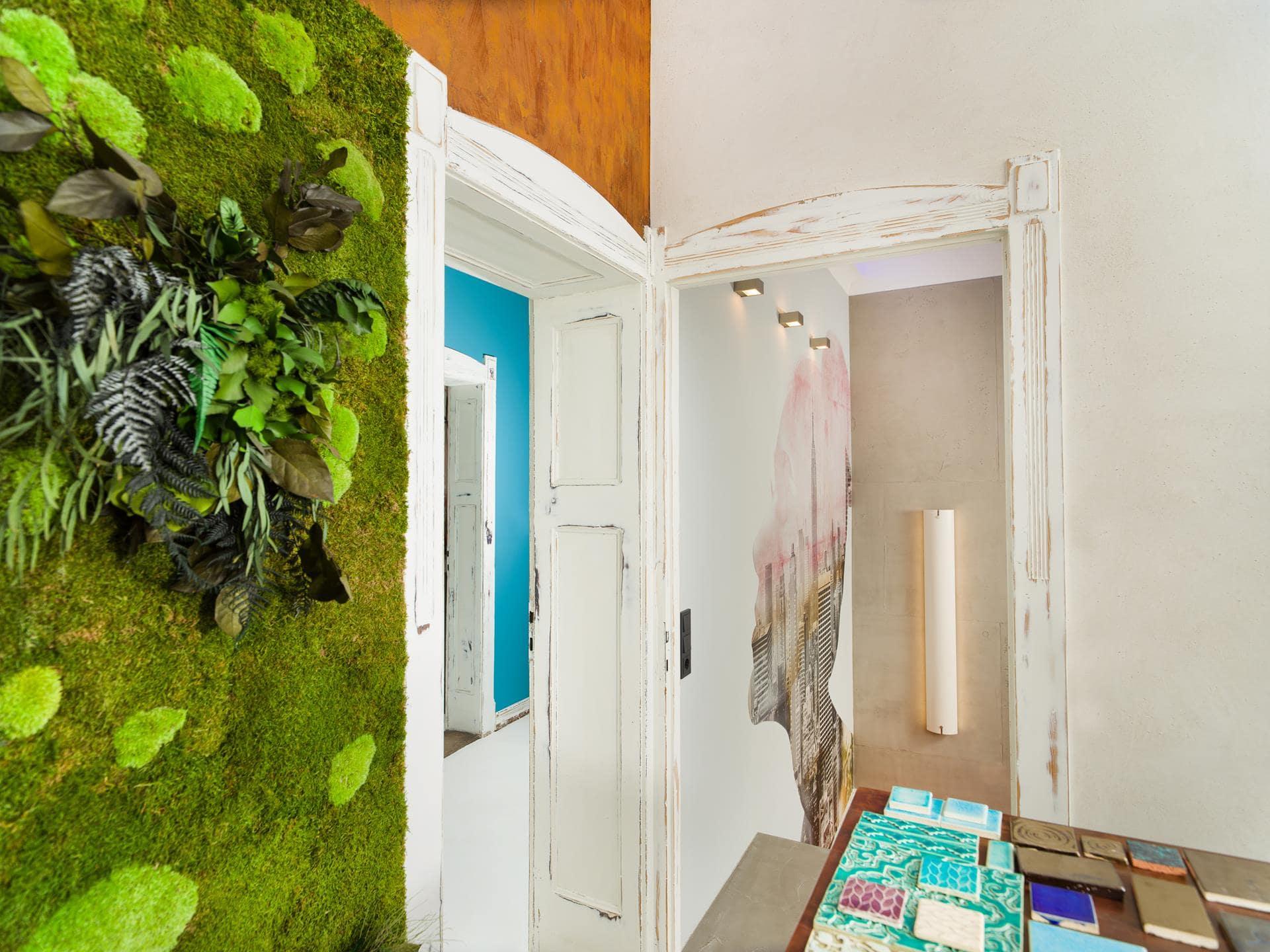 Ausstellung-Showroom-bad-glamora-spachtelboden-betonoptik-fugenlos-gestaltungsmaler-spohn-wiesbaden-05